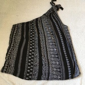 Soho NY & Co black and white one shoulder top
